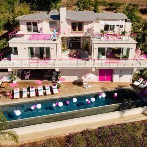 Airbnb ha creato la Casa dei Sogni di Barbie a Malibu: bellissima!