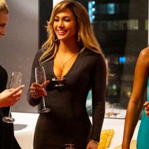 Jennifer Lopez balla in uno strip club a Roma con Le ragazze di Wall Street