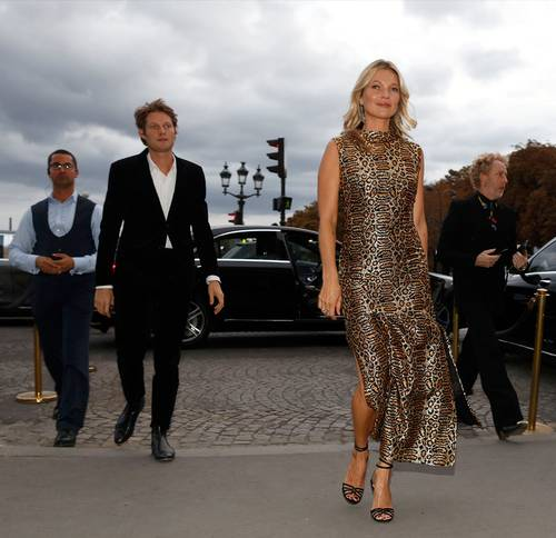 Kate Moss e i suoi outfit da teenager: animalier e mini dress unico amore