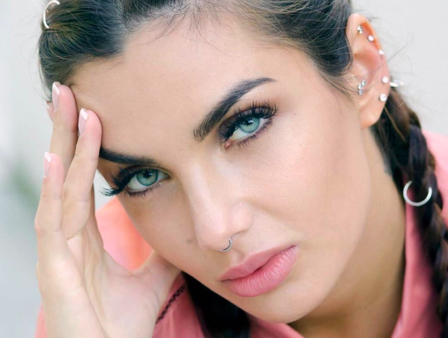 Da Chiara Ferragni a Elettra Lamborghini: la constellation piercing è moda 2020