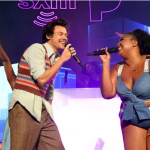 Harry Styles e Lizzo cantano Juice: i fan devono ancora riprendersi