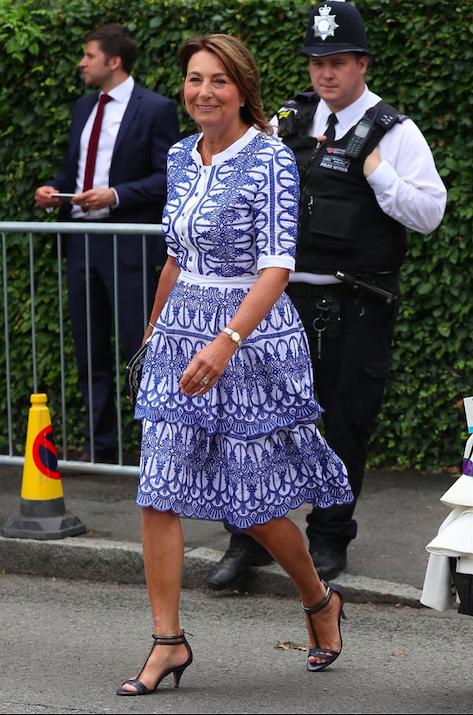 La mamma di Kate Middleton è identica a lei, solo con 27 anni in più