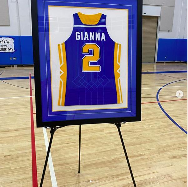 Vanessa Bryant Instagram: la moglie di Kobe e le foto della commovente cerimonia per Gianna