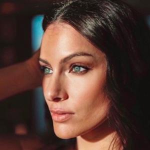Paola Turani Instagram, è pazzesca: un fan le dedica parole d'amore
