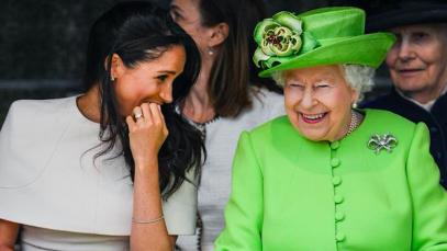 """Meghan e Harry, la Regina Elisabetta gli proibisce l'uso della parola """"Royal"""""""