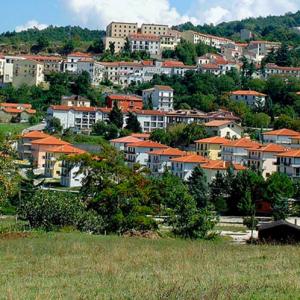 Affitti gratis in Campania, a Teora: il paese offre 5.000 euro a chiunque voglia andarci a vivere