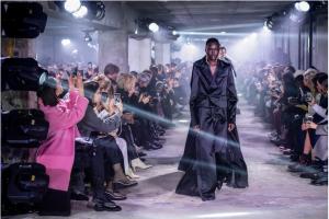 Parigi Fashion Week 2020: smoking rivisitati e Kanye West femminista