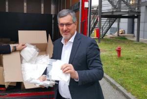 Coronavirus Piemonte, l'azienda di moda Miroglio comincia a produrre mascherine sanitarie