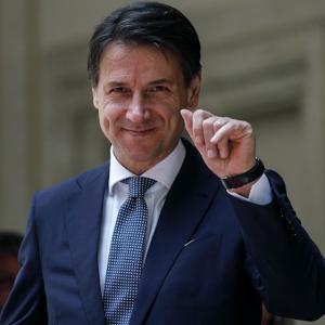Giuseppe Conte Instagram: le bimbe del premier confermano, Peppy è sensuale