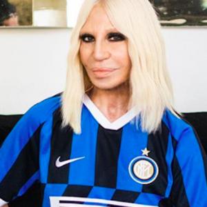 Coronavirus, Donatella Versace racconta Milano in una lettera a Vogue