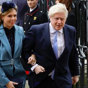 Coronavirus, Boris Johnson guarito: la fidanzata è il suo primo pensiero