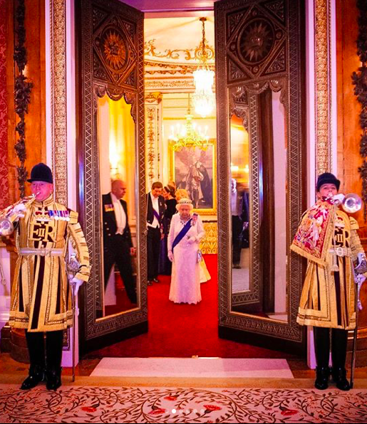 La Regina Elisabetta II è nata ad aprile ma festeggia a giugno: il perché della strana usanza