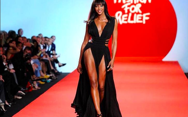 Naomi Campbell oggi compie 50 anni: la Venere Nera non è mai stata così bella