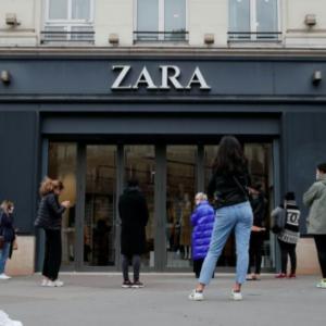 Zara chiude negozi e punta tutto sulle vendite online. 1.200 store abbassano la saracinesca