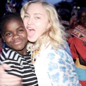 """Madonna, le foto coi figli e poi la provocazione: """"Buona festa del papà a me"""""""