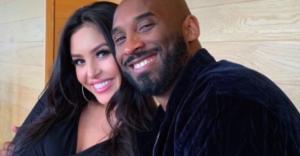 """Kobe Bryant avrebbe compiuto 42 anni. La dedica straziante della moglie: """"Penso continuamente a..."""""""
