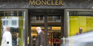 Moncler compra Stone Island. Una vendita da 1,15 miliardi di euro