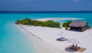 Un anno intero alle Maldive in un resort extra lusso. Il prezzo? Costa di più vivere a casa