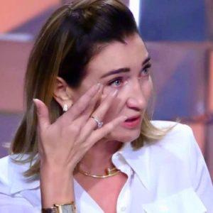 Elisabetta Franchi, occhi puntati sulla sua collana Cartier. Il prezzo è stellare
