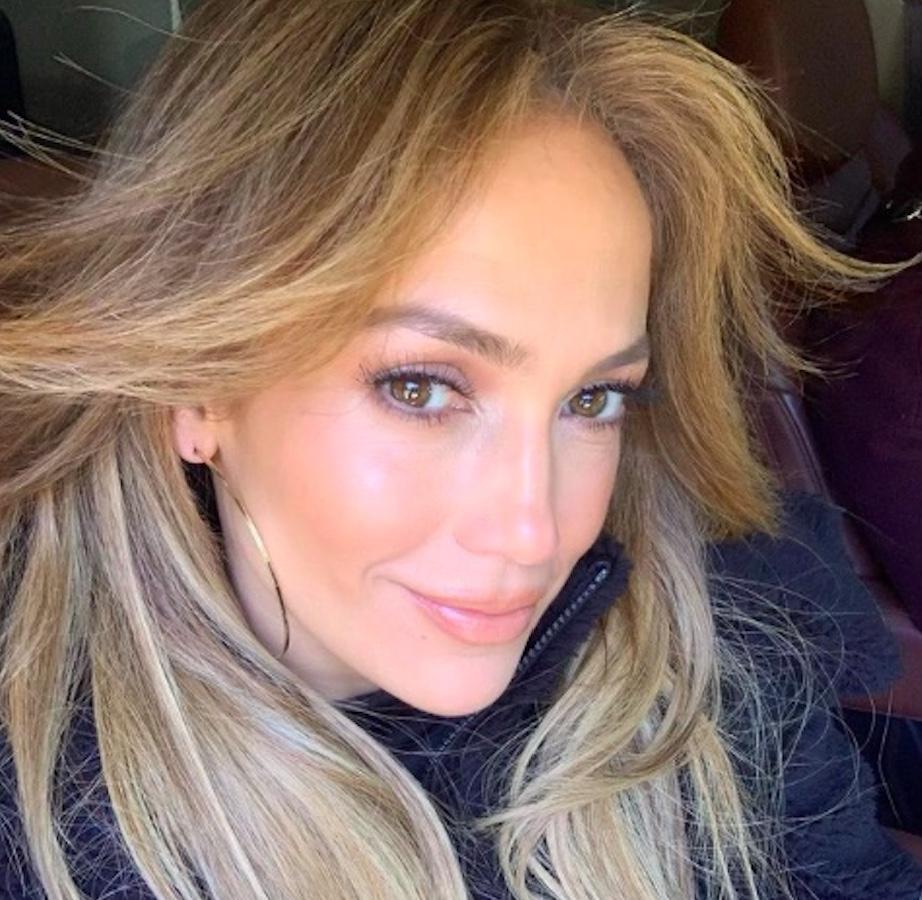 Jennifer Lopez senza make up, le critiche social