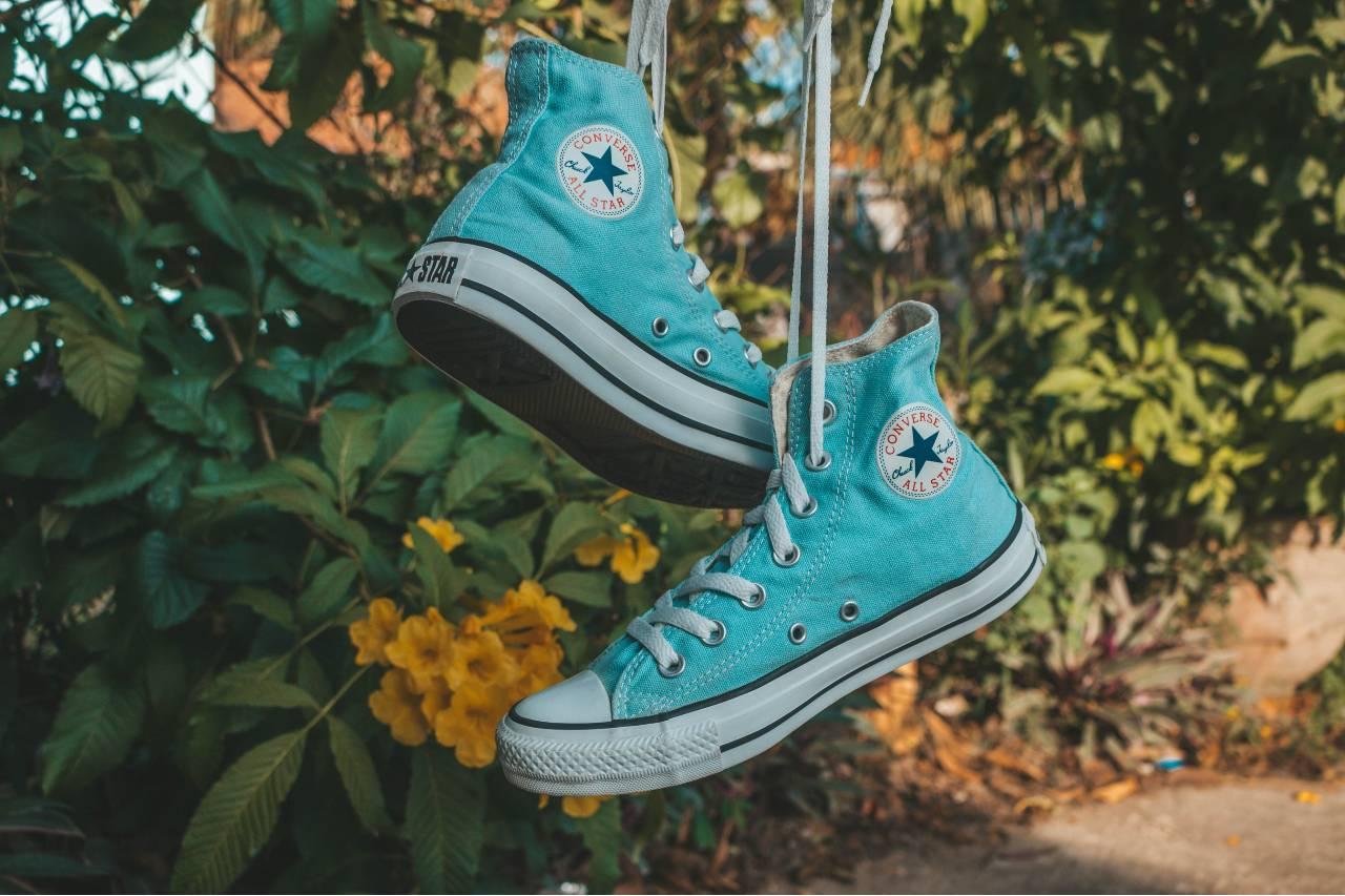 Le iconiche scarpe da ginnastica Converse: calzature ...