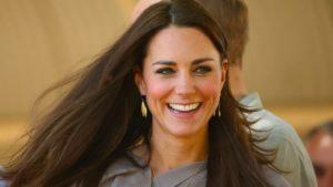 Kate Middleton, i suoi capelli lisci sono tutti da copiare. Ecco come fare