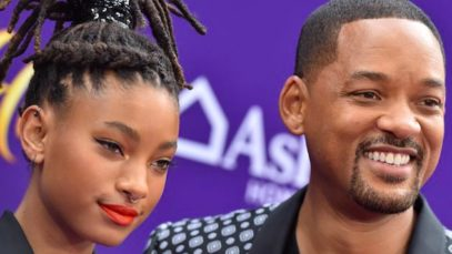 "Willow Smith confessa: ""Sono poliamorosa"". La reazione di mamma e nonna"