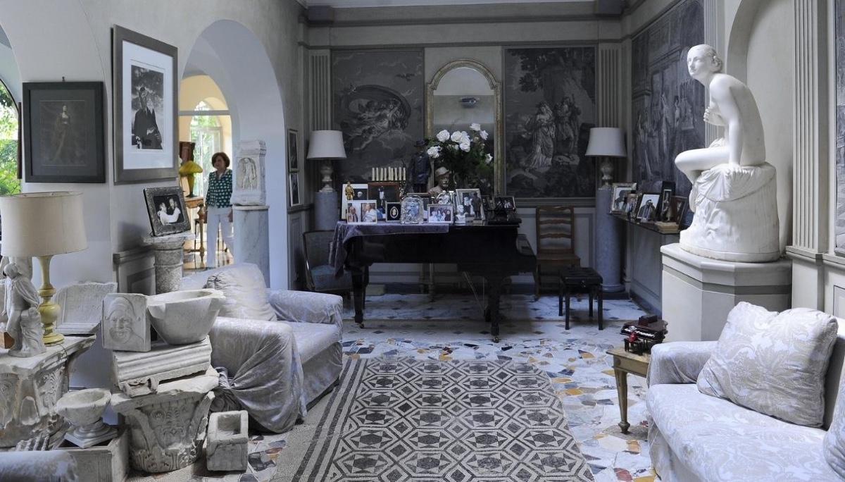 Silvio Berlusconi villa