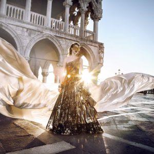 Venezia, la haute couture quest'anno va in gondola: da Saint Laurent a Valentino