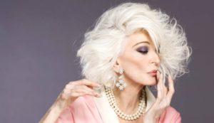 Carmen Dell'Orefice compie gli anni: è lei la modella più anziana in circolazione
