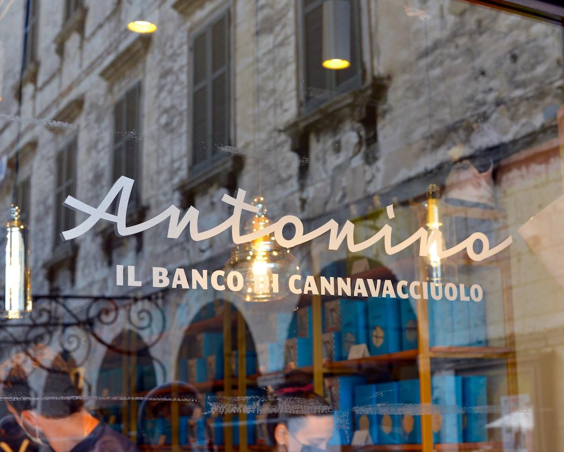 Antonino, il banco di Cannavacciuolo: dove sorge la nuova pasticceria dello chef
