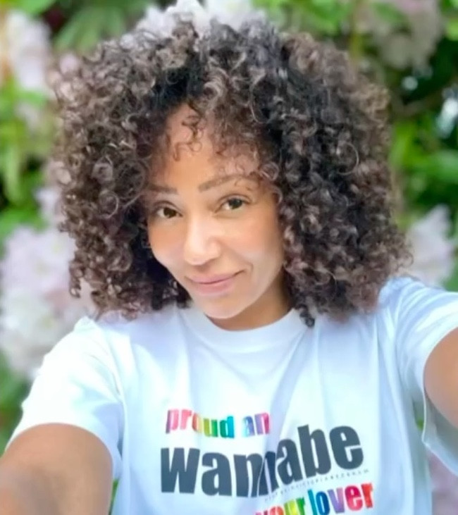 Le Spice Girls lanciano la t-shirt per il Pride Month: wannabe your lover!