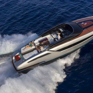 Yacht di lusso. È arrivato Dolceriva, fusione tra luxury e tecnologia con interni da panico