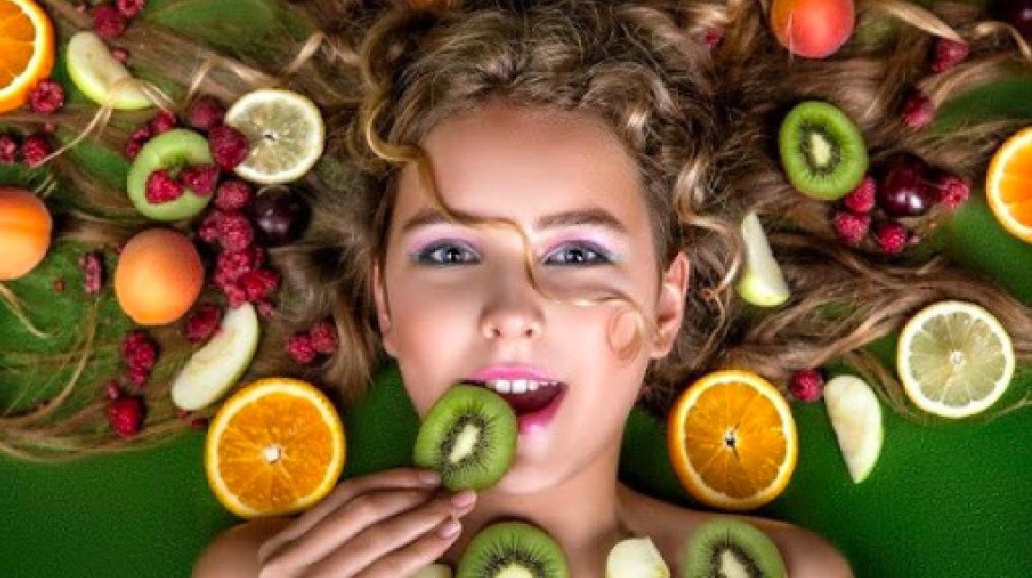 Cosa mangiare per capelli super! I 5 alimenti must have per un'estate perfetta