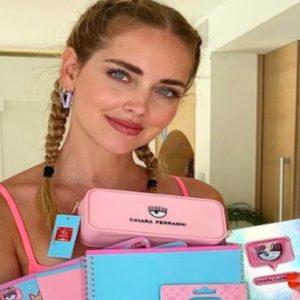 Chiara Ferragni, la linea scuola è un successone: quaderni, diario, matite e astucci. Tutti i prezzi