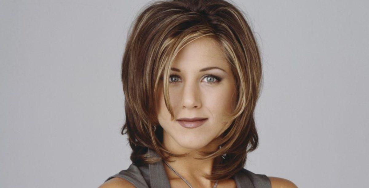 Jennifer Aniston linea capelli