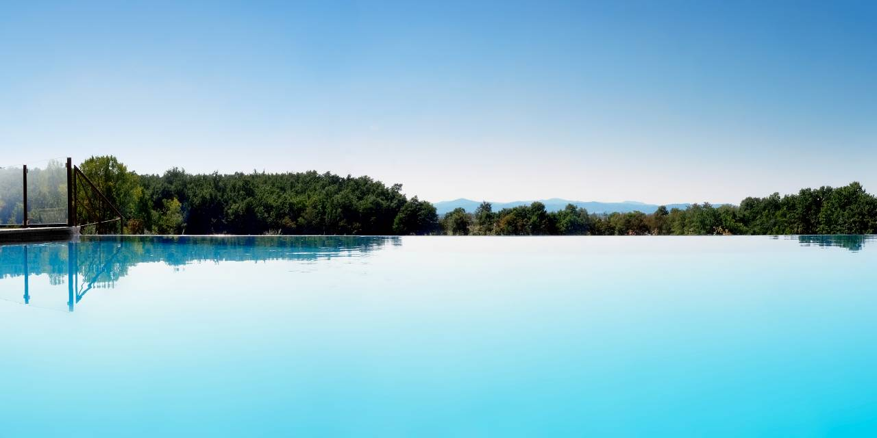 Chimera Tuscany Resort piscina
