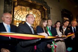 Carla Bruni all'inaugurazione della boutique  Bulgari di Roma