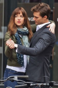 Dakota Johnson e Jamie Dornan sul set