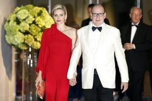 Alberto di Monaco e Charlene Wittstock al Gala della Croce Rossa 2015