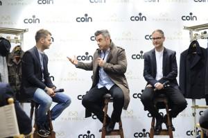 Alessandro Cattelan Robbie Williams e Ben Dickens da Coin a Milano