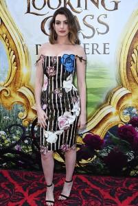 Alice attraverso lo specchio: Anne Hathaway