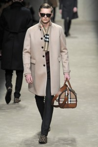 Burberry autunno inverno 2013-2014 a Milano Moda Uomo