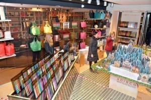 Boutique Cruciani di Verona in Piazza delle Erbe - villaggio di Natale